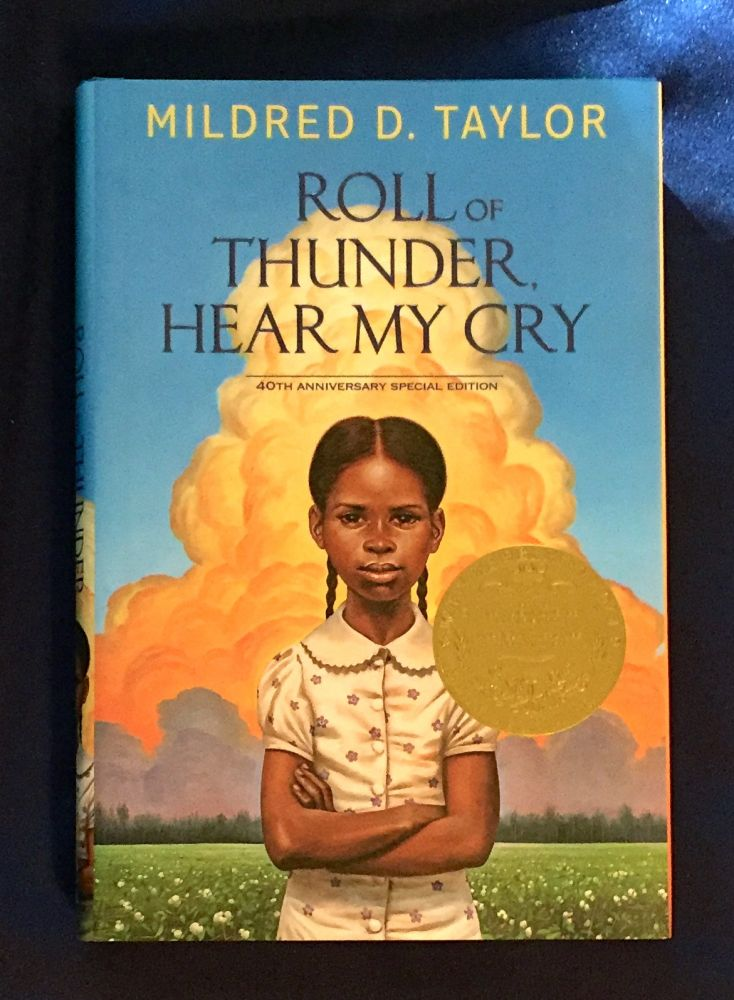 ROLL THUNDER HEAR MY CRY; Introduction by Jacqueline Woodson / Illustration by Kadir Nelson. Mildred D. Taylor.