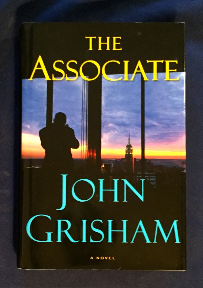THE ASSOCIATE. John Grisham.
