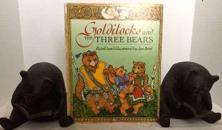 GOLDILOCKS AND THE THREE BEARS; Retold and illustrated by Jan Brett. Jan Brett, author