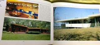 THE VISION OF FRANK LLOYD WRIGHT; A complete guide to the designs of an architectural genius