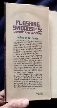 FLASHING SWORDS! #5:; Demons and Daggers / edited by Lin Carter
