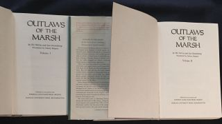 OUTLAWS OF THE MARSH; Translated by Sidney Shapiro